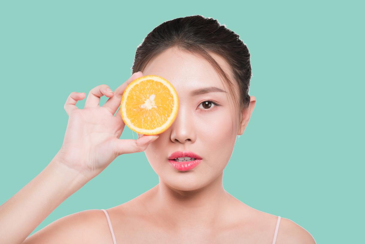 Contorno occhi: step 8 della beauty routine coreana