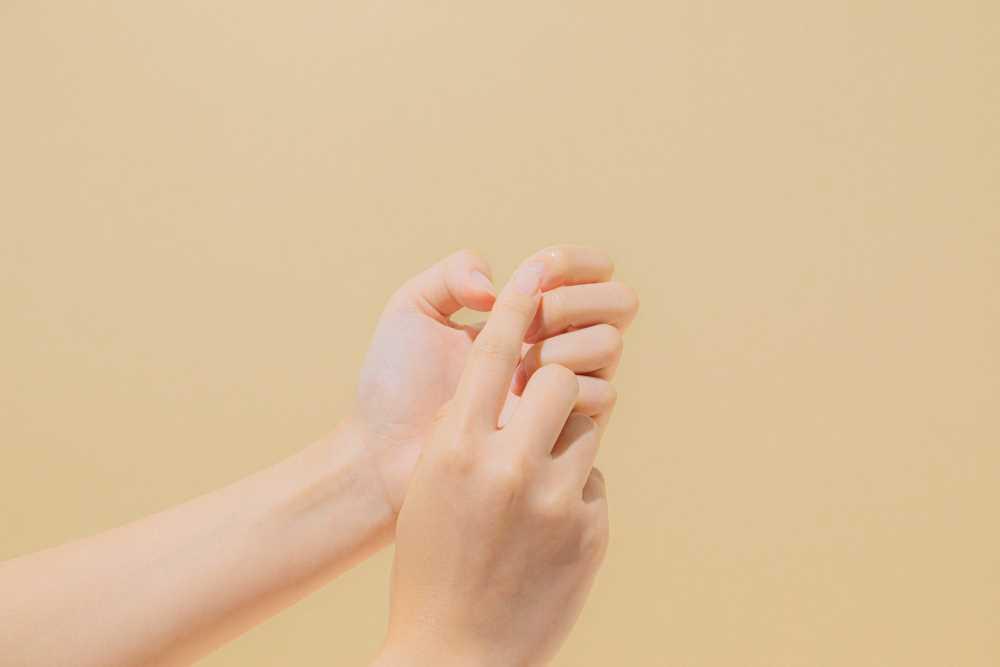 cura delle cuticole delle mani